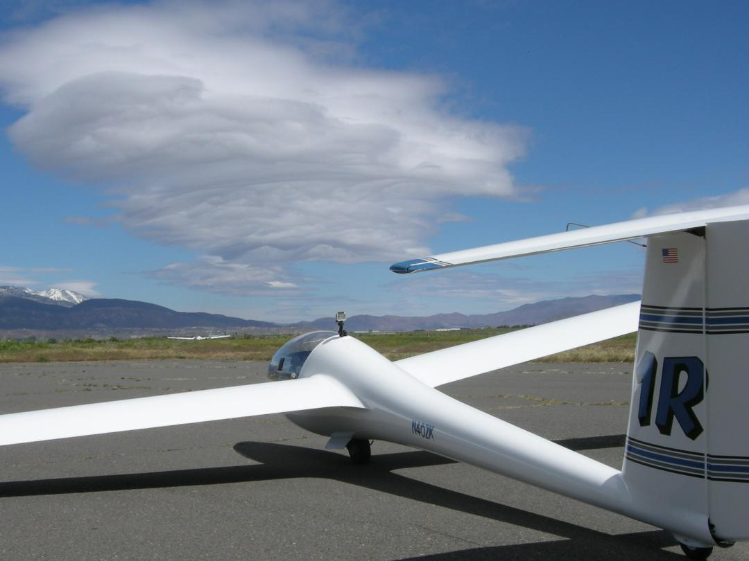 "LS-4a after a ""wave"" flight in Minden NV"