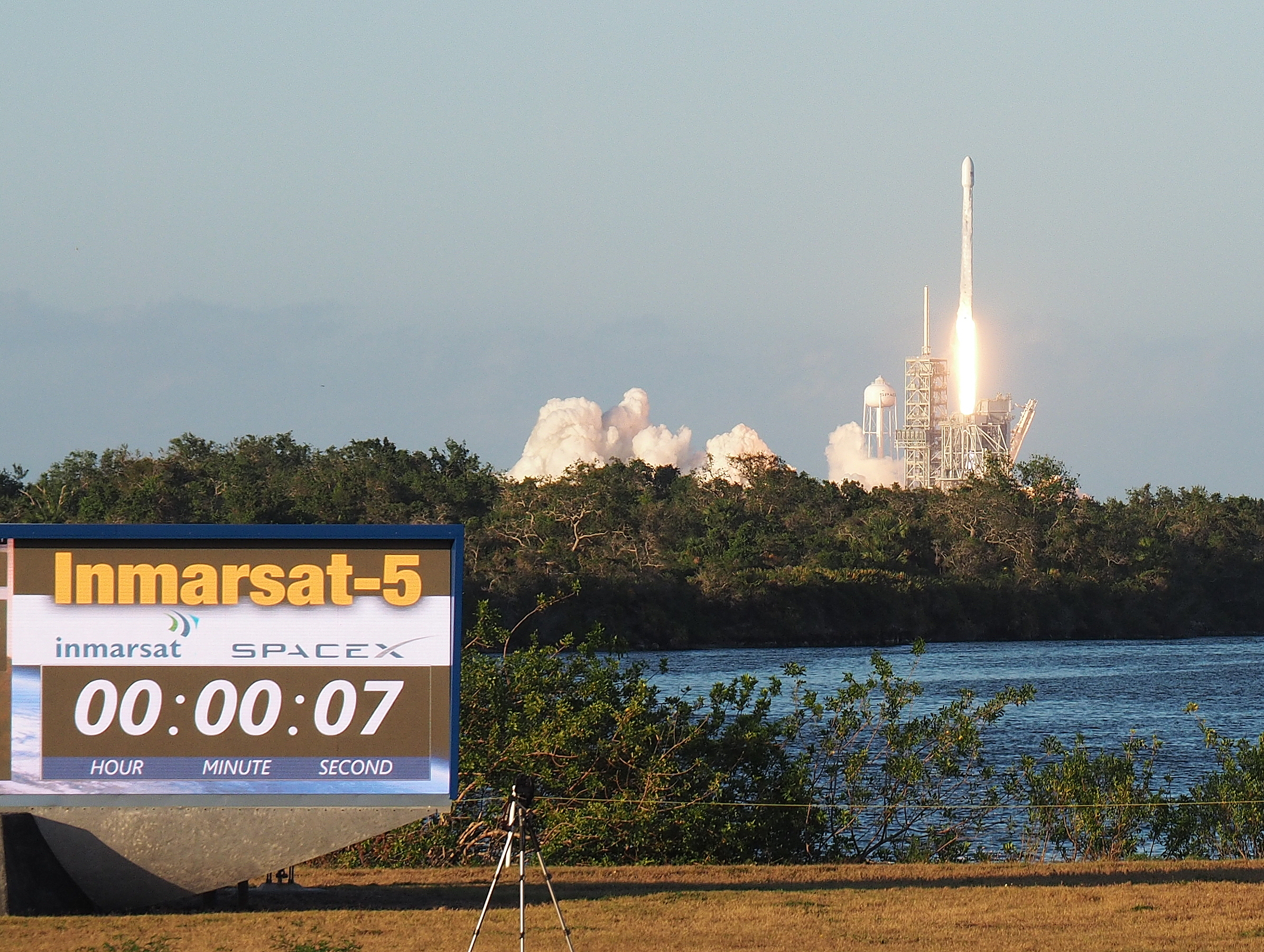 SpaceX Falcon 9 launches Inmarsat's I-5 F4 satellite. And the countdown clock is counting UP! Photo: Howard Slutsken